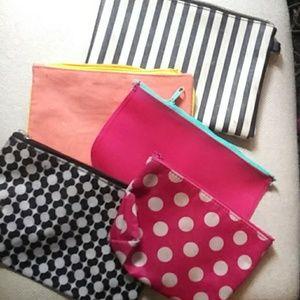 BOGO🌈Lot of 4 make up bags